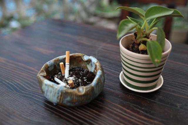 タバコを止めたらワキガと体臭のニオイは改善されるのか?