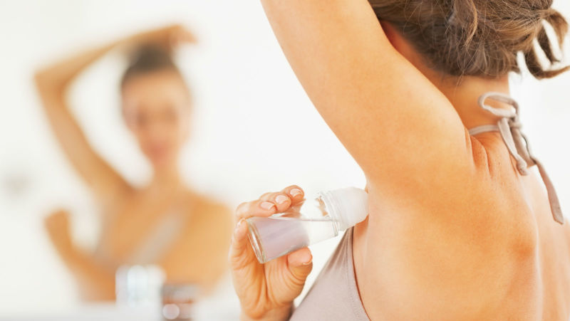 暑くないのに脇汗をかいてしまう3つの原因と脇汗を止める4つの対策