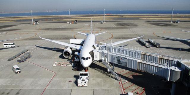 飛行機に制汗剤スプレーやデオドラントは持ち込める?【国内と国際線別】