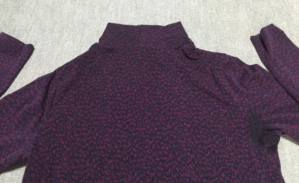 脇の汗じみが目立つ洋服の色と目立たない色について