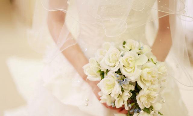 わきがでも結婚式にウェディングドレスを着たい!最強デオドラントを紹介
